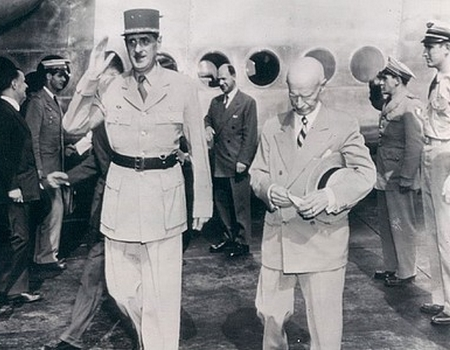 CFPNA:  De Gaulle arrive à Washington.